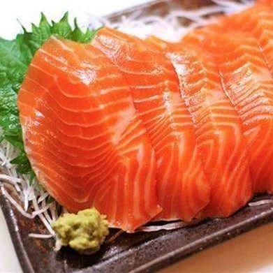 疫情防控丨吃三文鱼会感染新冠病毒吗?听听权威解答